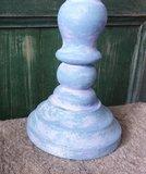 Geverfde kandelaar in blauw/wit, 31 cm._3